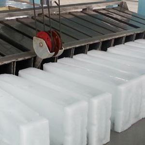 Large civil engineering ice machine